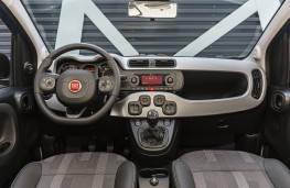 Fiat Panda City Cross, 2017, interior
