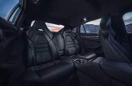 Porsche Panamera 4S, rear seats