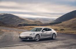 Porsche Panamera 4S, side