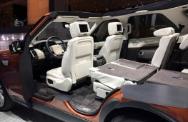 Paris Motor Show 2016, Land Rover Discovery, seats