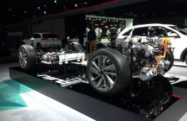 Paris Motor Show 2016, Kira Niro, hybrid powertrain