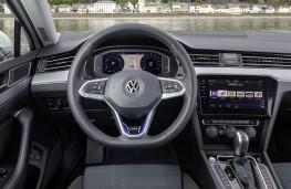 Volkswagen Passat Alltrack GTE, 2019, dashboard