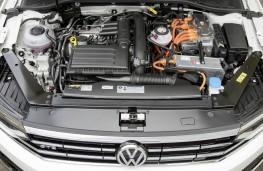 Volkswagen Passat Alltrack GTE, 2019, engine