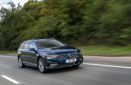 Volkswagen Passat Estate, 2019, front, action