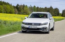 Volkswagen Passat Alltrack GTE, 2019, nose