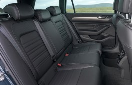 Volkswagen Passat Estate, 2019, rear seats