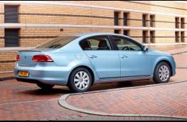 Volkswagen Passat, 2011, side