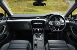 Volkswagen Passat, 2019, interior