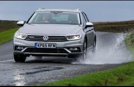 Volkswagen Passat Alltrack, front, water