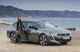 Peugeot 508 SW, front with model