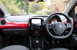 Peugeot 108 GT Line, dashboard