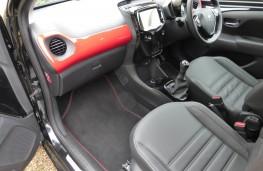 Peugeot 108 GT Line, front seats