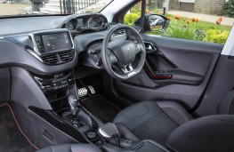Peugeot 2008, dashboard