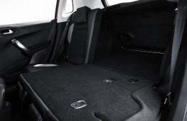 Peugeot 2008, rear seat folded