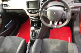 Peugeot 208 GTi, interior