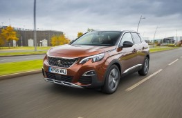 Peugeot 3008 SUV, front action