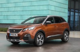 Peugeot 3008 SUV, front static