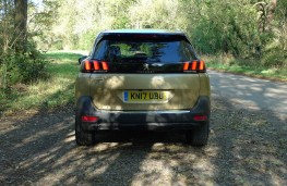 Peugeot 5008, full rear static