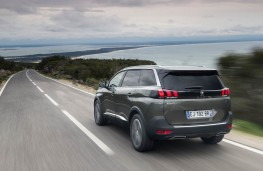 Peugeot 5008 SUV, action rear 2