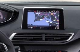Peugeot 5008 SUV, dash detail