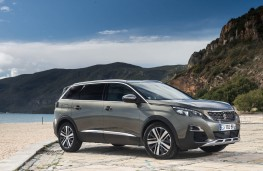 Peugeot 5008 SUV, static front