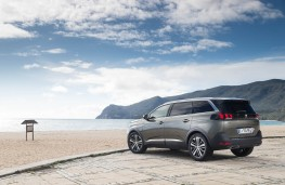 Peugeot 5008 SUV, static rear