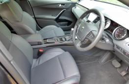 Peugeot 508 SW, front seats
