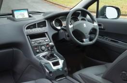 Peugeot 5008, interior
