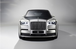 Rolls-Royce Phantom, 2018, head on