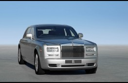 Rolls Royce Phantom, front