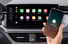 Apple CarPlay connected to car