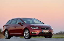SEAT Leon ST front, side