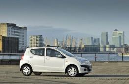 Nissan Pixo, 2009, side
