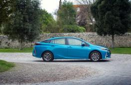 Toyota Prius Plug-in, side