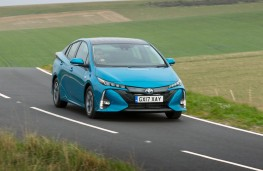 Toyota Prius Plug-in, front