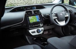 Toyota Prius Plug-in, interior