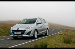 Mazda5, action