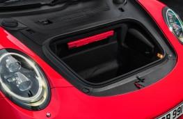 Porsche 911 Carrera, boot