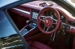 Porsche 911 Carrera S, dashboard