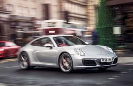 Porsche 911 Carrera S, front action