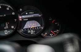 Porsche 911 Turbo S, dash detail