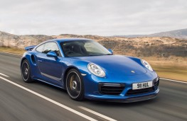 Porsche 911 Turbo S, front action