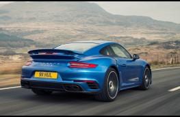 Porsche 911 Turbo S, rear action