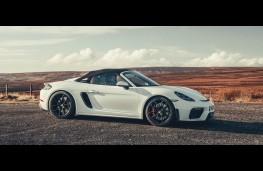 Porsche 718 Spyder, side