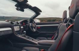 Porsche 718 Spyder, cabin