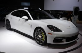 Porsche Panamera 4 E-Hybrid Executive, 2016, Los Angeles auto show