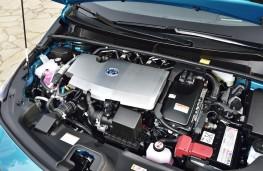 Toyota Prius Plug-In Hybrid, 2017, engine