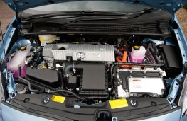 Toyota Prius, 2016, engine
