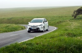 Toyota Prius+, 2016, front, action