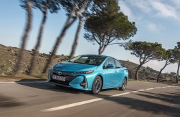 Toyota Prius Plug-In Hybrid, 2017, front, action